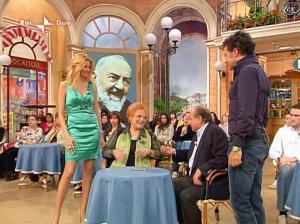 Adriana Volpe dans I Fatti Vostri - 05/04/10 - 41
