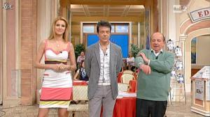 Adriana Volpe dans I Fatti Vostri - 05/04/12 - 06
