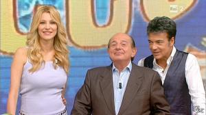 Adriana Volpe dans I Fatti Vostri - 18/10/11 - 28