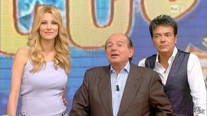 Adriana Volpe dans I Fatti Vostri - 18/10/11 - 29