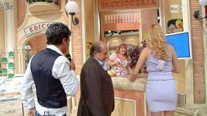 Adriana Volpe dans I Fatti Vostri - 18/10/11 - 40