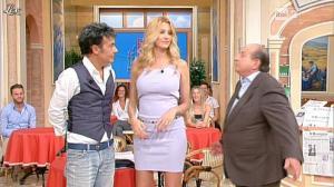 Adriana Volpe dans I Fatti Vostri - 18/10/11 - 43