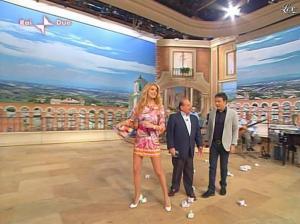 Adriana-Volpe--I-Fatti-Vostri--22-02-10--11