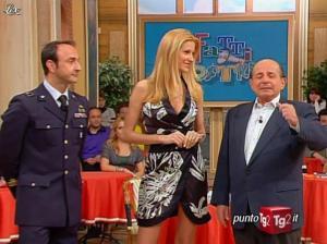 Adriana Volpe dans I Fatti Vostri - 31/03/11 - 02