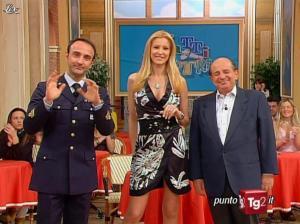 Adriana Volpe dans I Fatti Vostri - 31/03/11 - 03