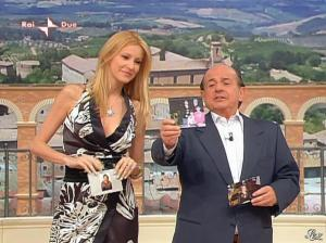 Adriana Volpe dans I Fatti Vostri - 31/03/11 - 06