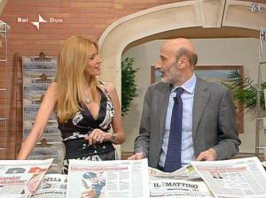 Adriana Volpe dans I Fatti Vostri - 31/03/11 - 17