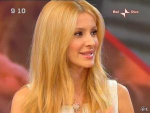 Adriana Volpe dans Mattina in Famiglia - 14/12/08 - 56