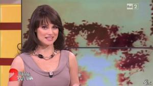 Lorena Bianchetti dans Italia Sul Due - 24/04/12 - 30