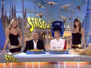 Michelle Hunziker, les Veline, Mélissa Satta et Thais Souza Wiggers dans Striscia la Notizia - 12/10/06 - 06