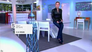 Anne-Sophie Lapix dans C à Vous - 04/12/13 - 01