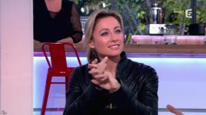 Anne-Sophie Lapix dans C à Vous - 04/12/13 - 03