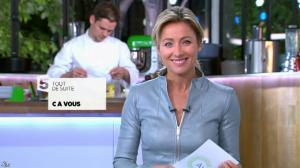 Anne-Sophie Lapix dans C à Vous - 29/10/13 - 04