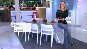 Anne-Sophie Lapix dans C à Vous - 31/10/13 - 01