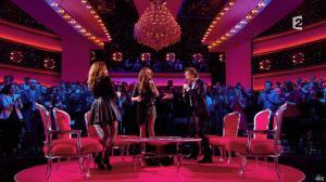 Julie Snyder et Céline Dion dans Céline Dion c'est Votre Vie - 16/11/13 - 085