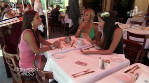 Nabilla Benattia, Shauna Sand et Laura Coll dans Hollywood Girls - 27/11/13 - 15