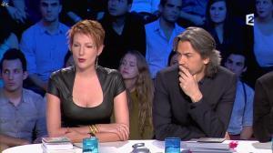 Natacha Polony dans On n'est pas Couché - 26/10/13 - 12