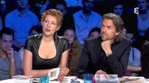 Natacha Polony dans On n'est pas Couché - 26/10/13 - 75