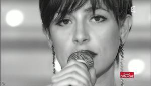 Lio dans Vivement Dimanche - 21/02/10 - 07