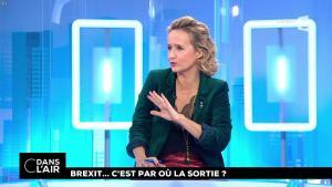 Caroline Roux dans C dans l'Air - 05/12/17 - 01