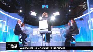 Caroline Roux dans C dans l'Air - 11/12/17 - 01