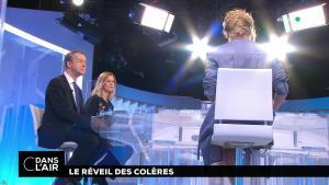 Caroline Roux dans C dans l'Air - 30/01/18 - 01