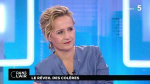 Caroline Roux dans C dans l'Air - 30/01/18 - 03
