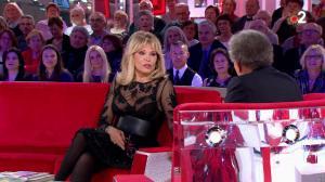Amanda Lear dans Vivement Dimanche - 23/12/18 - 02