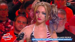 Delphine Wespiser dans Touche pas à mon Poste - 31/10/18 - 06