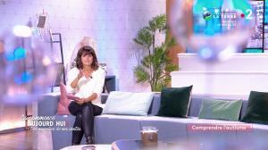 Faustine Bollaert dans Ça Commence Aujourd'hui des Nouvelles - 15/10/19 - 01