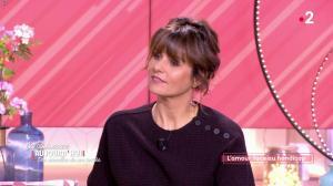 Faustine Bollaert dans Ça Commence Aujourd'hui des Nouvelles - 16/10/19 - 03