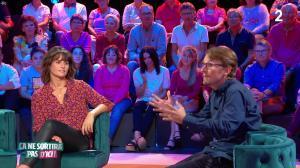 Faustine Bollaert dans Ça Ne Sortira pas d'Ici - 23/10/19 - 11