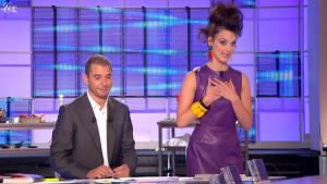 Charlotte Le Bon dans le Grand Journal De Canal Plus - 05/04/11 - 3