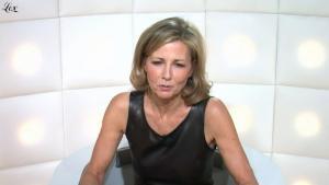 Claire Chazal dans le Grand Journal De Canal Plus - 17/12/09 - 2