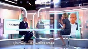 Caroline Roux dans C Politique - 05/10/14 - 016