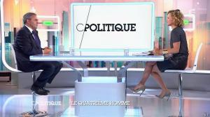 Caroline Roux dans C Politique - 05/10/14 - 017