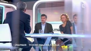 Caroline Roux dans C Politique - 05/10/14 - 087