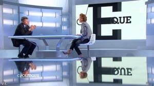 Caroline Roux dans C Politique - 08/12/13 - 09
