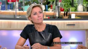 Anne-Sophie Lapix dans C à Vous - 04/10/16 - 09