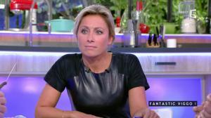 Anne-Sophie Lapix dans C à Vous - 04/10/16 - 55