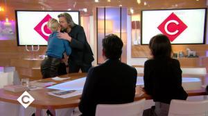 Anne-Elisabeth Lemoine dans C à Vous - 21/11/17 - 03