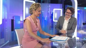 Caroline Roux dans un Bonus de C dans l'Air - 07/06/17 - 12
