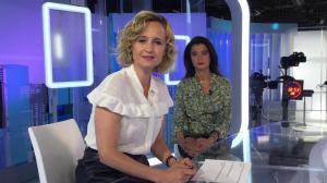 Caroline Roux dans un Bonus de C dans l'Air - 25/04/17 - 01