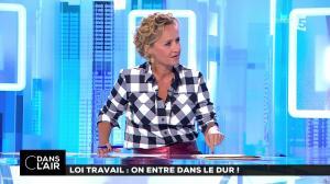 Caroline Roux dans C dans l'Air - 22/08/17 - 01