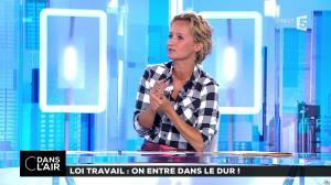 Caroline Roux dans C dans l'Air - 22/08/17 - 03