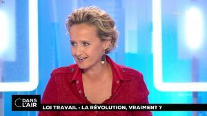 Caroline Roux dans C dans l'Air - 31/08/17 - 02