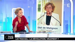 Caroline Roux dans C dans l'Air - 31/08/17 - 04
