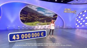 Elsa Fayer dans Euro Millions - 18/08/17 - 03