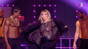 Amanda Lear dans Jean Paul Gaultier Fait son Show - 13/10/18 - 02