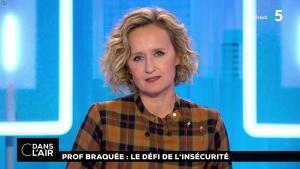 Caroline Roux dans C dans l'Air - 22/10/18 - 01